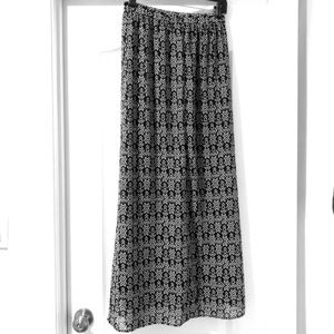 Black and White Print Maxi Skirt